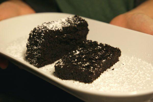 saftiger Schokoladenkuchen aus Okara